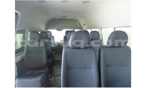 Acheter Importé Voiture Toyota Hiace Blanc à Import - Dubai, Barh el Gazel