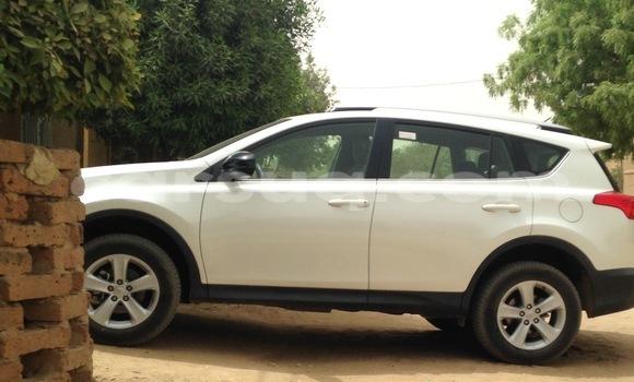 Acheter Neuf Voiture Toyota RAV4 Blanc à N'Djamena au Tchad