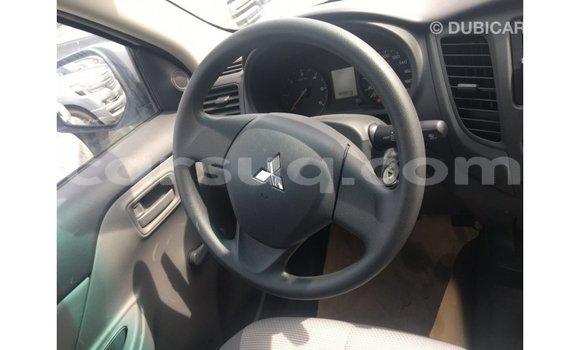 Acheter Importé Voiture Mitsubishi L200 Blanc à Import - Dubai, Barh el Gazel