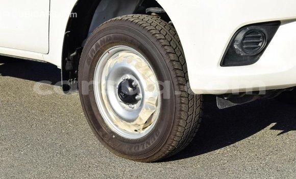 Acheter Importé Voiture Toyota Hilux Blanc à Import - Dubai, Barh el Gazel