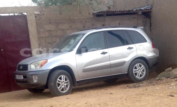 Acheter Occasion Voiture Toyota RAV4 Gris à N'Djamena au Tchad