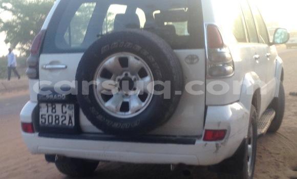 Acheter Occasion Voiture Toyota Prado Blanc à N'Djamena au Tchad