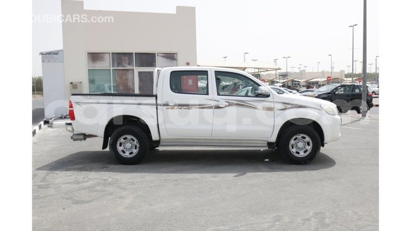 Big with watermark toyota hilux barh el gazel import dubai 1331