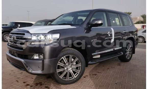 Medium with watermark toyota land cruiser barh el gazel import dubai 1540