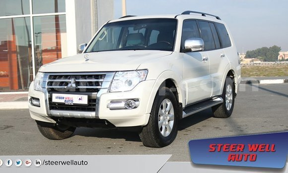 Medium with watermark mitsubishi pajero barh el gazel import dubai 1952