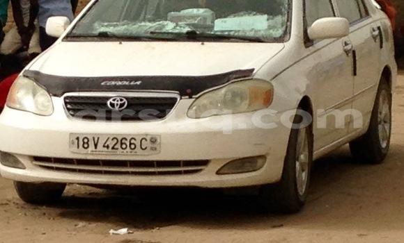 Acheter Occasion Voiture Toyota Corolla Blanc à N'Djamena au Tchad