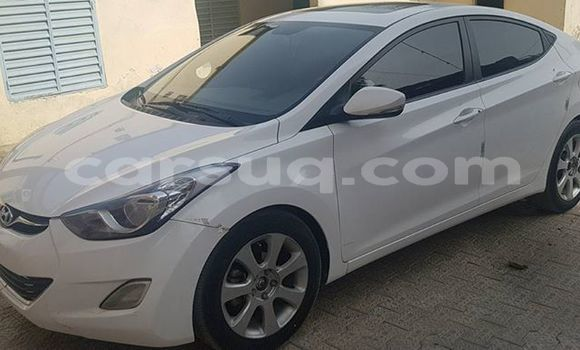 Acheter Occasion Voiture Hyundai Elantra Blanc à Moundou au Tchad