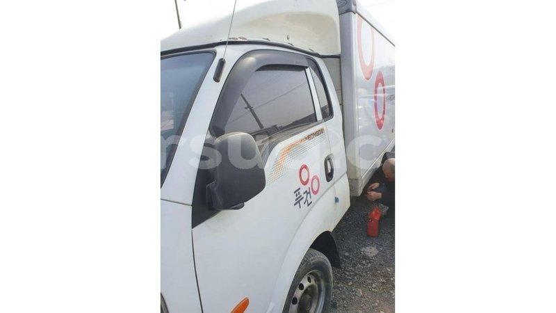 Big with watermark kia carens barh el gazel import dubai 3223