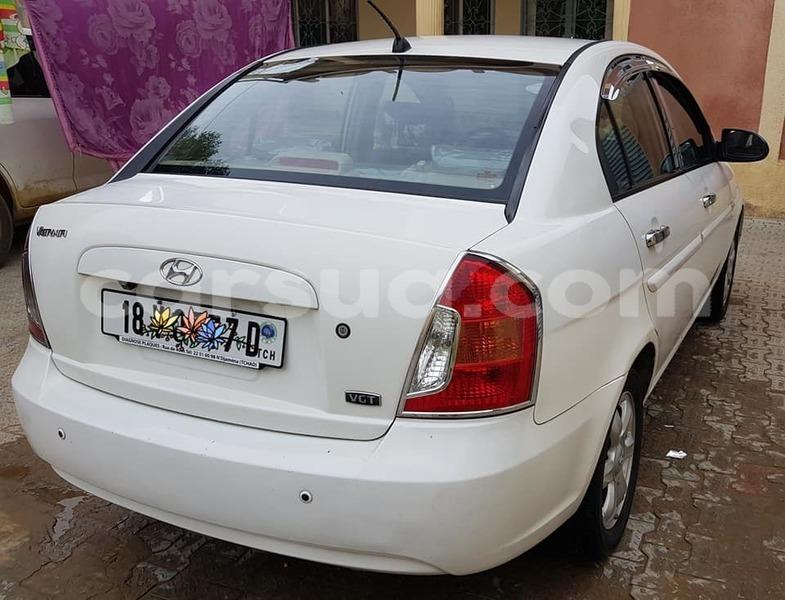 Big with watermark hyundai verna chari baguirmi n djamena 3248