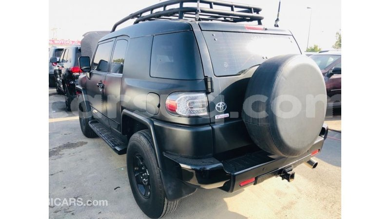 Big with watermark toyota fj cruiser barh el gazel import dubai 3730